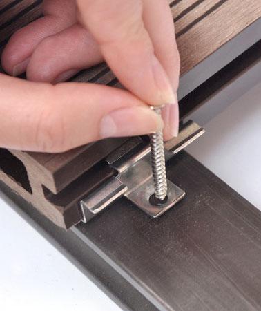 installazione clip inox WPC composito decking