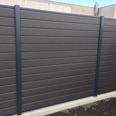 recinzione wpc effetto legno colore grigio scuro antracite